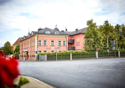 Allee-Hotel-Galerie-Aussen-1103