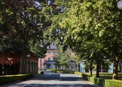 Allee-Hotel-Galerie-Aussen-1158
