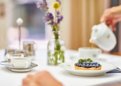 Allee-Hotel-Galerie-Fruehstueck-Kaffee-423