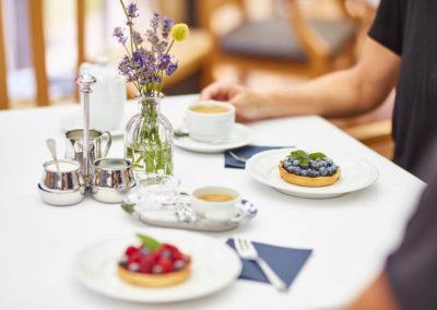 Allee-Hotel-Galerie-Fruehstueck-Kaffee-483