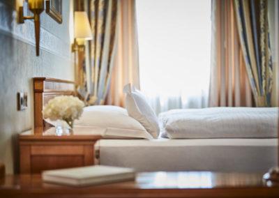 Allee-Hotel-Galerie-Zimmer-681
